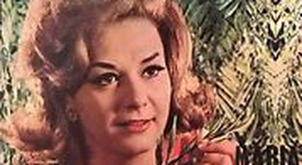 Maria Paris: addio alla cantante icona del Festival di Napoli