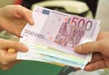 Pompei, ritrova valigetta con 13mila euro grazie all'onestà di un partenopeo