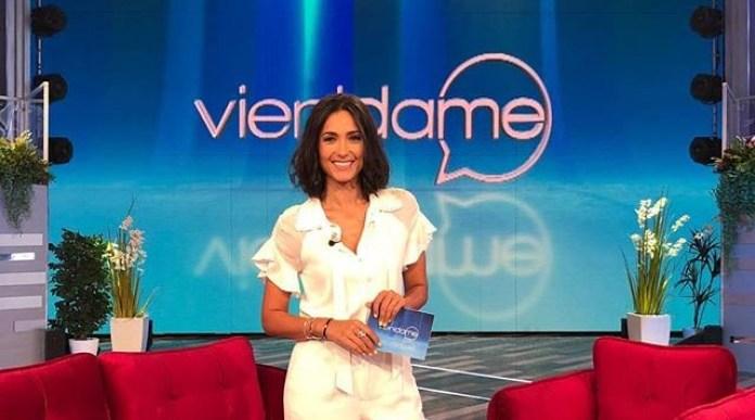 """Caterina Balivo, mezzo flop con """"Vieni da me"""": """"nessuno è nato imparato"""""""