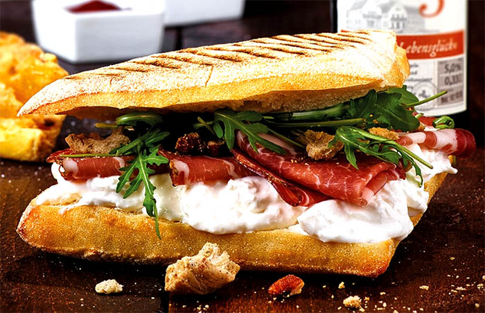 "Il panino alternativo ""Scugnizzo è..."" a domicilio!"