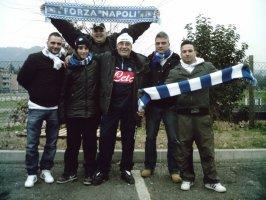 Tifosi azzurri del Club Napoli Bologna