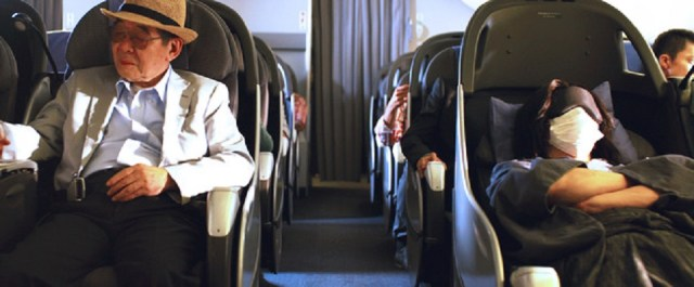 Monkey Punch, il passeggero a sinistra, che compare in un cameo nel live-action.