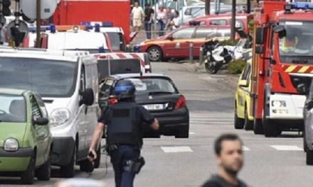 Attacco a Rouen: sgozzato il parroco di una chiesa