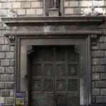 Al via i lavori per il restauro del portone ligneo di Palazzo Diomede Carafa