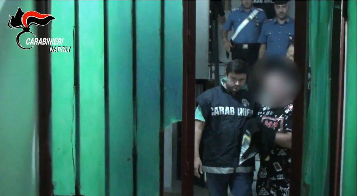 Torre Annunziata, arrestati 12 presunti affiliati al clan Gionta