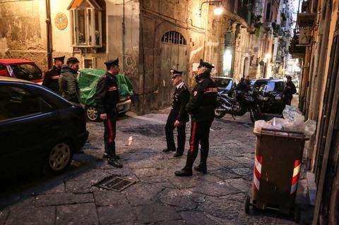 La camorra spara ai quartieri spagnoli ed uccide un uomo