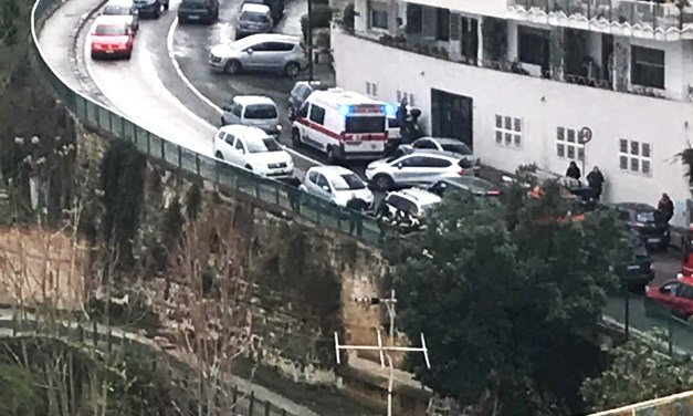 Auto precipita a Posillipo in via Petrarca – foto all'interno
