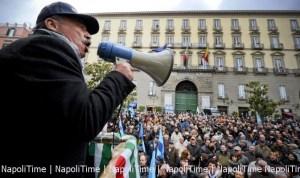 protesta dipendenti comune di napoli