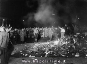 Rogo-dei-libri-Berlino-10-maggio-1933