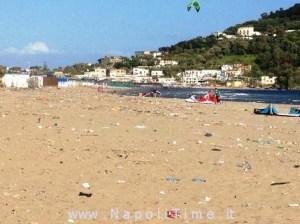 Spiaggia-Miseno