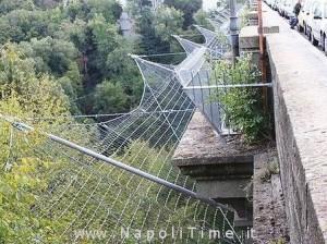 Ponte con reti protettive