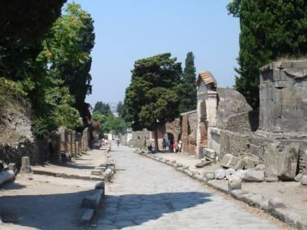 Via delle Tombe
