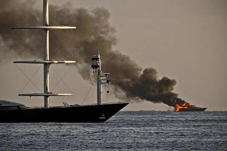 yacht delaurentiis
