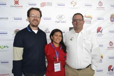 Carlos Naranjo de NARANJO PUBLICIDAD con Sandra Mendoza de Cotelco Norte de Santander y César Ángel de Nature Trips