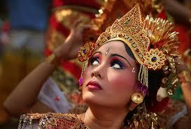 Agama, Harta, Takhta dan Wanita
