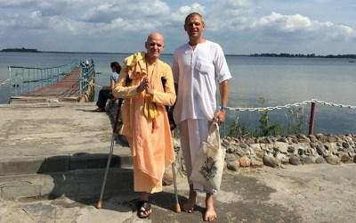 MAMPU MELINTASI GUNUNG: Kisah Rohani H.H. Bhakti Raghava Swami (Real J. Gagnon)