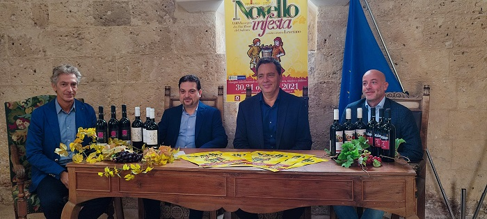 """LEVERANO – DA DOMANI NEL CENTRO STORICO LA XXIII EDIZIONE DI """"NOVELLO IN FESTA"""""""
