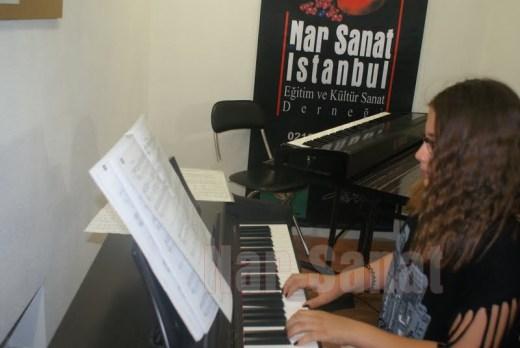 piyanoda-parmaklar