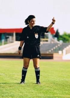 İlk FIFA kokartlı kadın hakem-Lale Orta