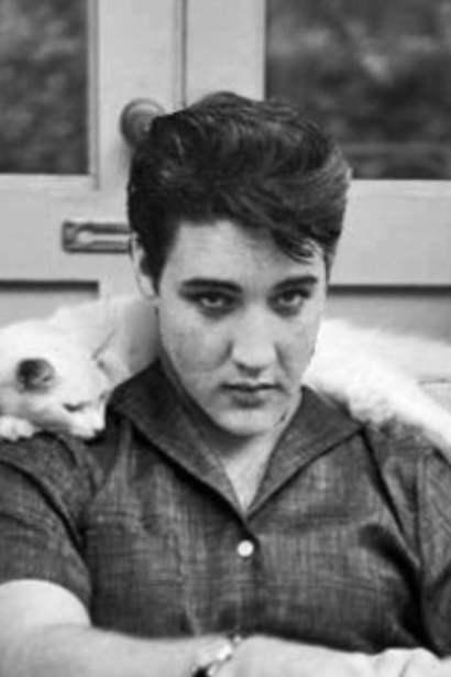 30 Elvis Presley