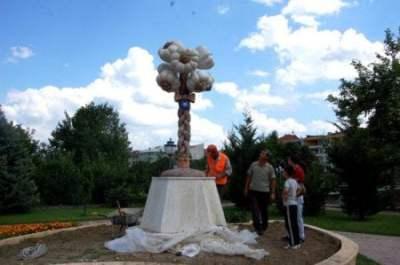 kastamonu-sarimsak-heykeli