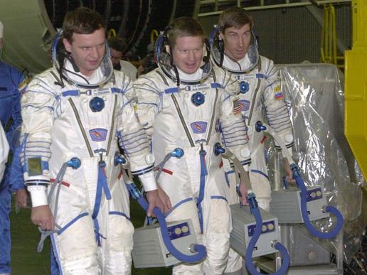From the left, Yuri P. Gidzenko, Soyuz commander; William M. (Bill) Shepherd, Expedition 1 commander; and Sergei K. Krikalev, flight engineer