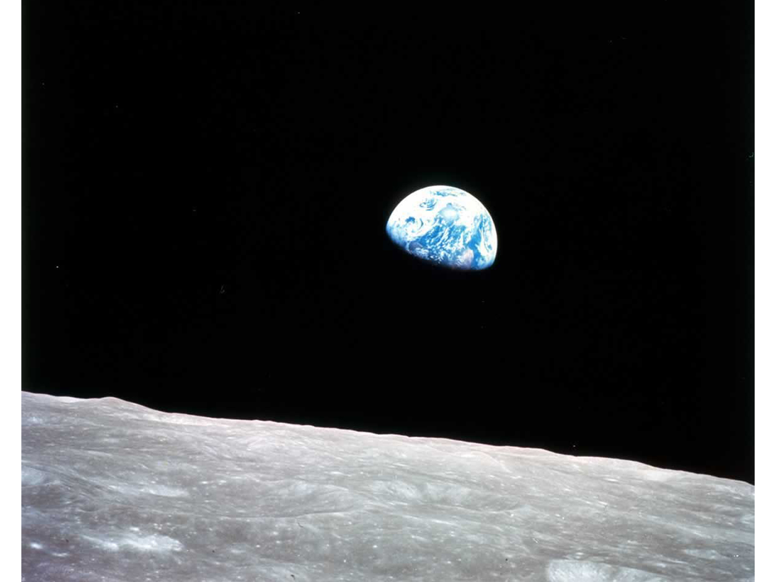 https://i0.wp.com/www.nasa.gov/images/content/261376main_31_Earthrise2.jpg