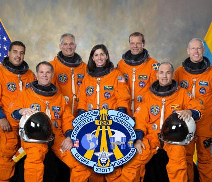 STS128-S-002: STS-128 crew portrait