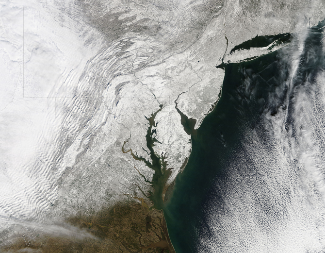 A blocking event over Greenland led to intense blizzards in the East Coast of the United States in February 2010.