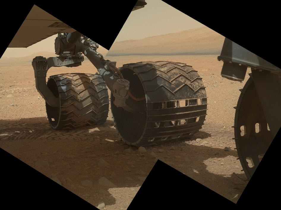 High-resolution views of rocks and soil at the rover's Gale Crater field site