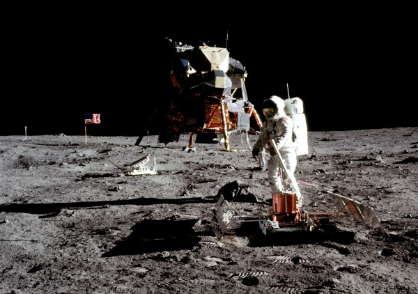 Why Arent There Stars In The Moon Landing Photos Explained