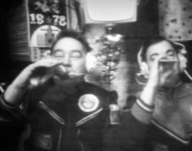 soyuz_26_grechko_romanenko_toasting_1978