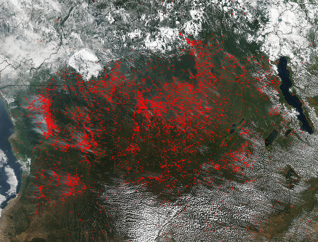 Central Africa blanketed by agricultural fires