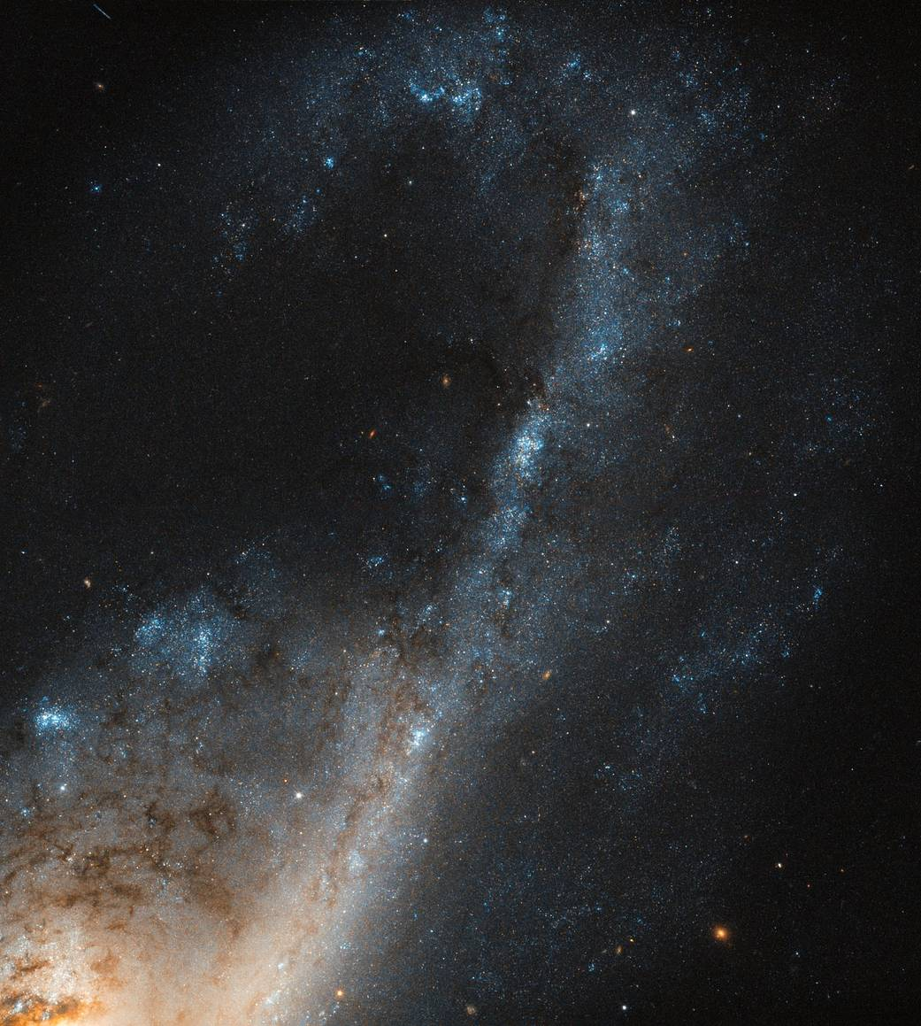 NASA Image of the Day | Hubble sees starbursts in Virgo