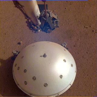Imagem tirada em 19 de março de 2019 por uma câmera no Mars InSight rover da NASA