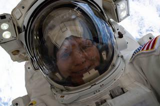"""NASA astronaut Anne McClain takes a """"space-selfie"""""""