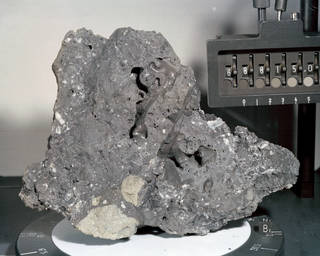 Apollo 16 sample