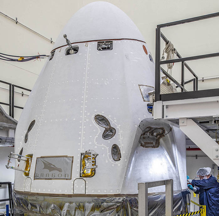 SpaceX preparing Falcon 9 for Crew-1 static fire test ...