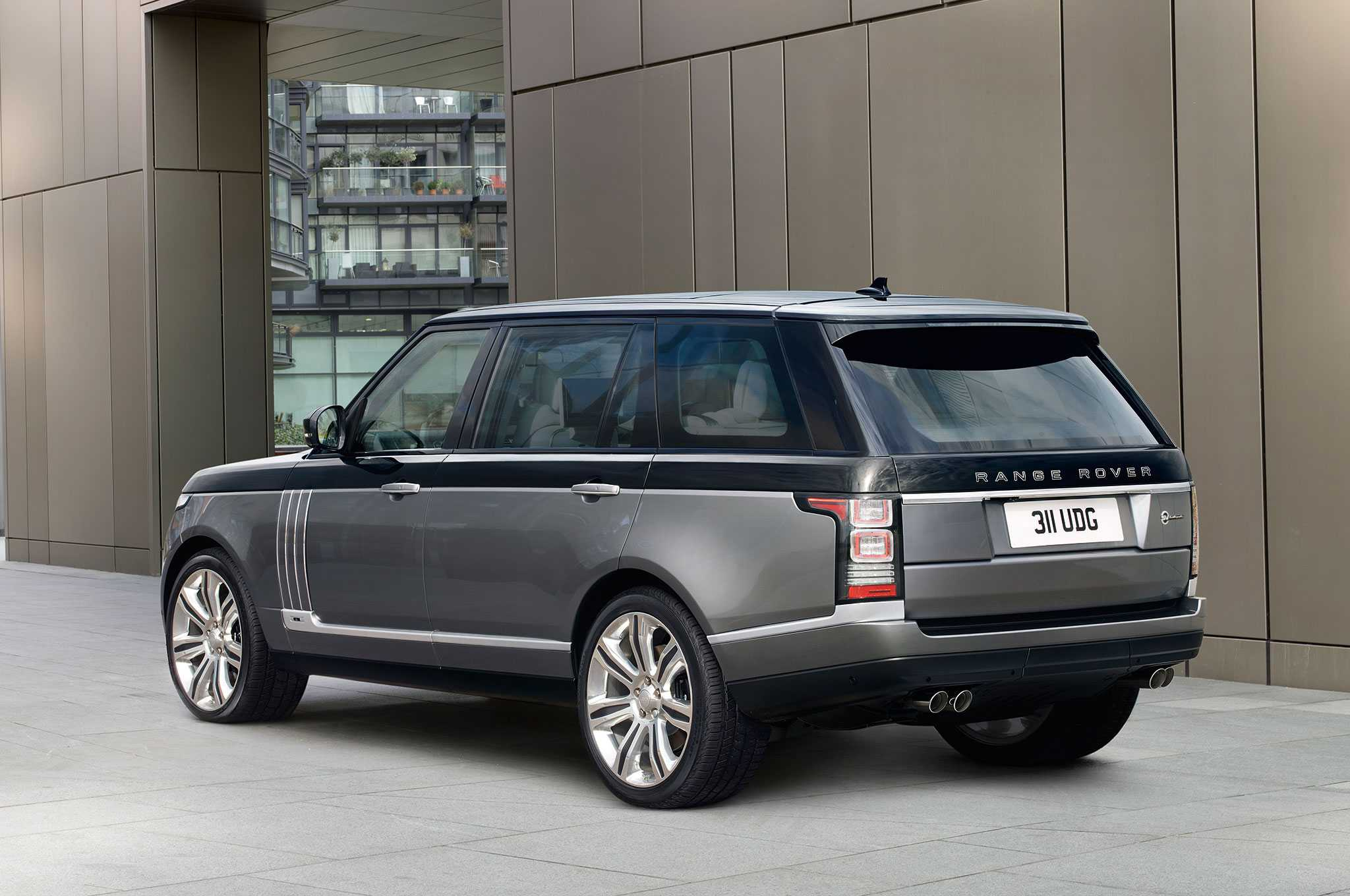 2016 Land Rover Range Rover SVAutobiography Nashville Chatter