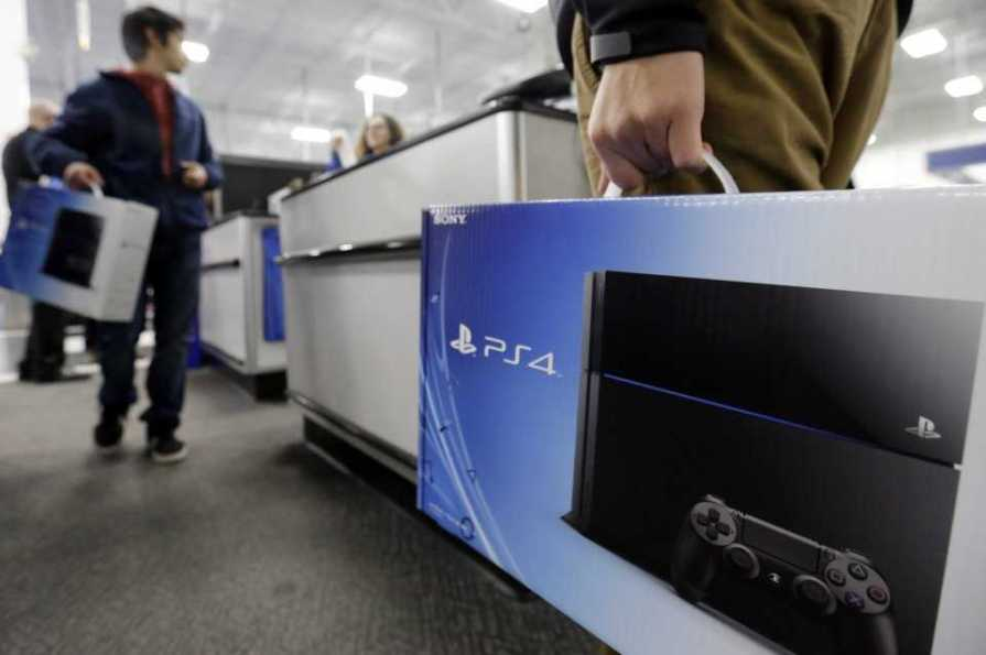 Sony Prepares Updated PS4 for Retail Sale
