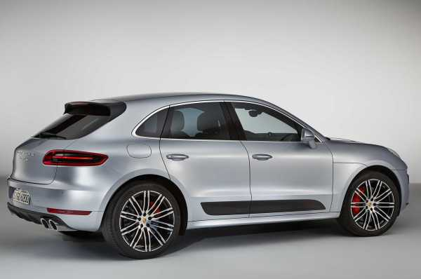 2017 Porsche Macan Turbo Performance Package