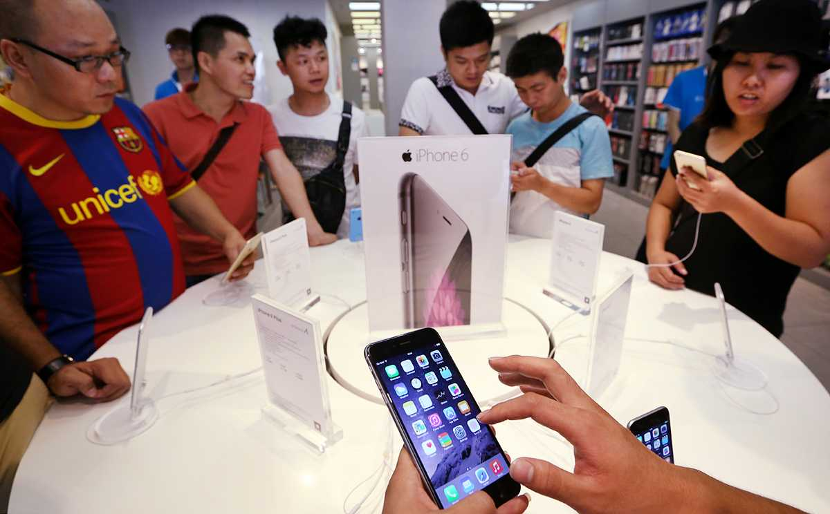 iPhones Succumb to Serious Battery Issues – Chinese ...