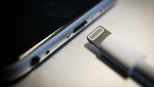 iPhone 8Lightning Connectors