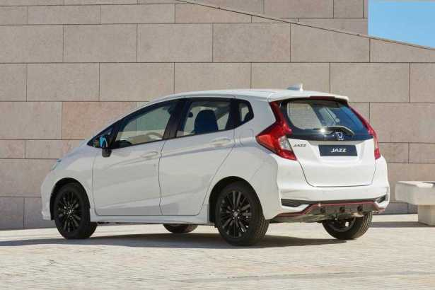 2018 Honda Jazz bonnent