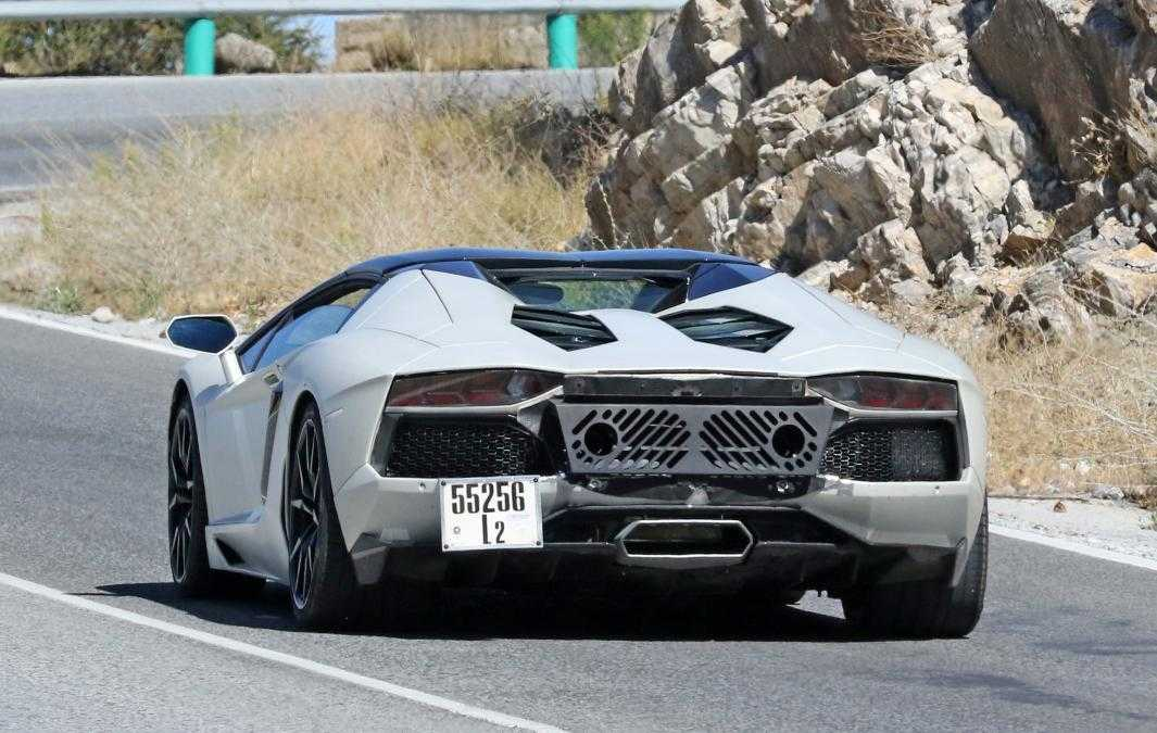 stores iconic dealerships gallardo first automobile lamborghini motoring mexico opens two in