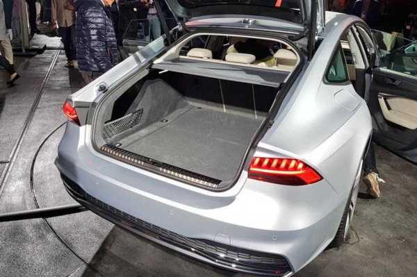 2018 Audi A7 Sportback bonnent