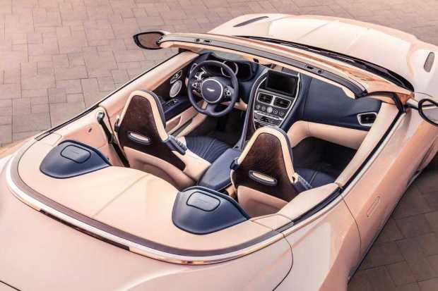 Aston Martin DB11 Volante twin turbo engine