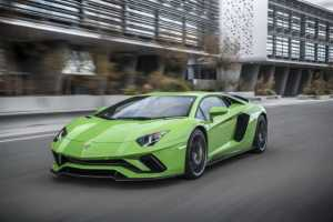 2018 Lamborghini Aventador S is the Most Expensive Car Supports Android Auto