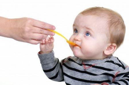 ребенок отказывается от дополнительного питания