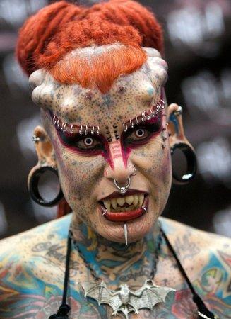 Мария Хосе Кристерна - женщина-вампир